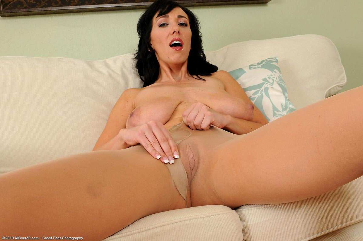 threesome and squirting