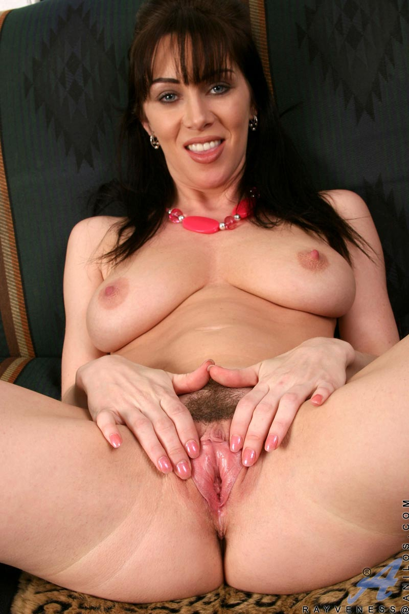 Milf brunette video galleries
