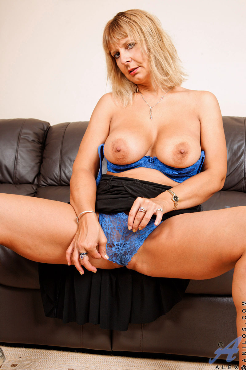Busty mature in high heels
