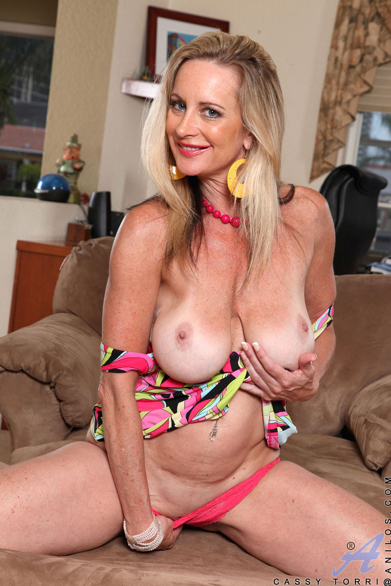 08 vera delight granny likes it rough anal 8