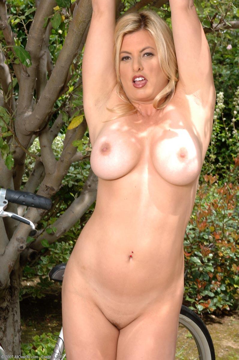 Alia janine busty cougar 2