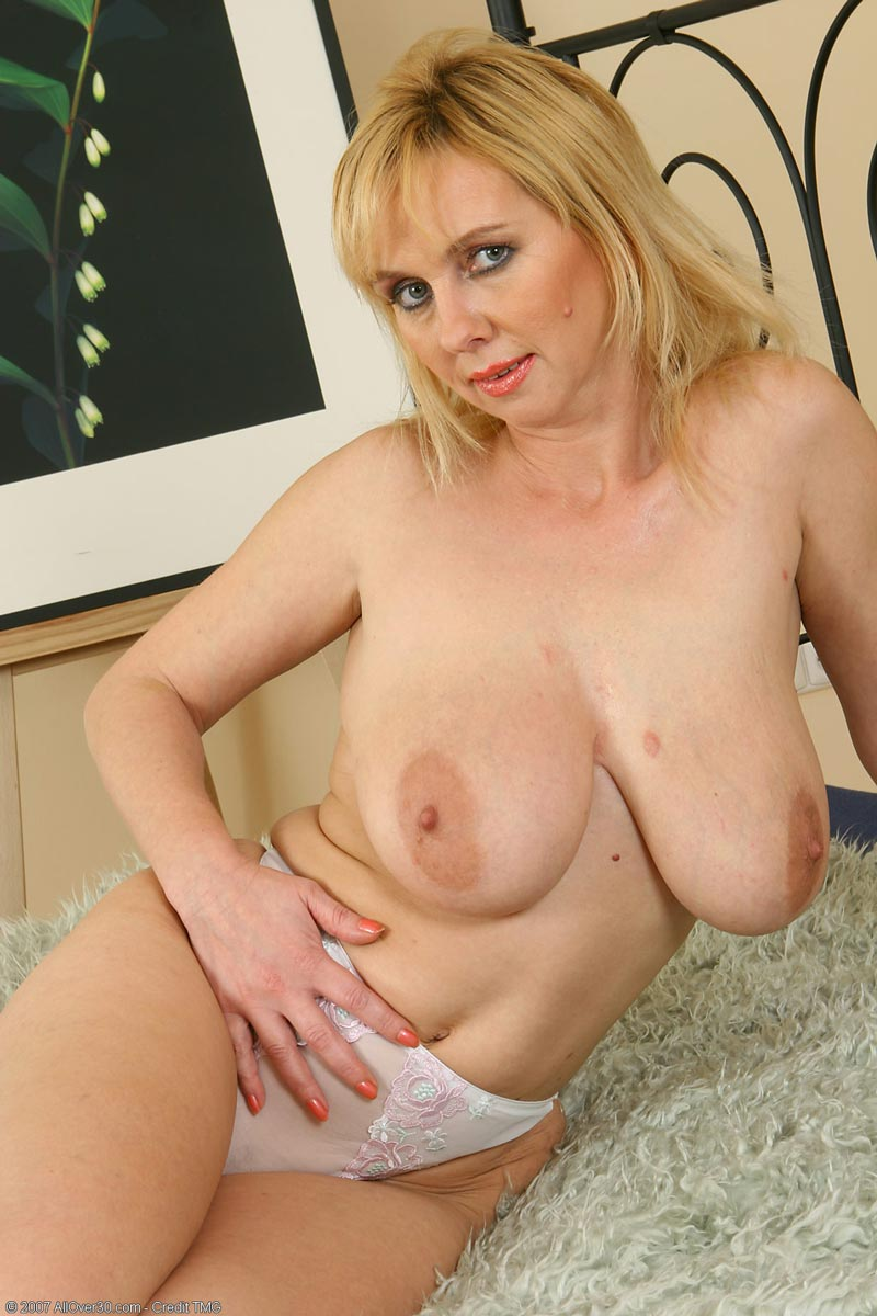 blonde cougar mature Chubby