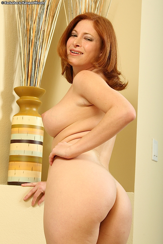 But busty hose pantie redhead