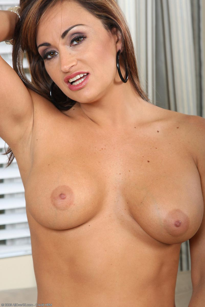 Milf claudia valentine is out on a fuck dating 3