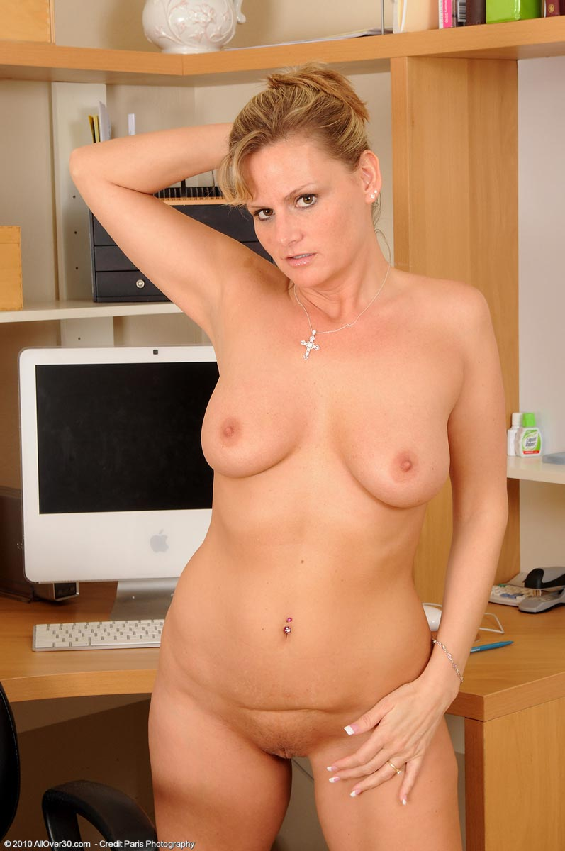 Sexy black bbw nude