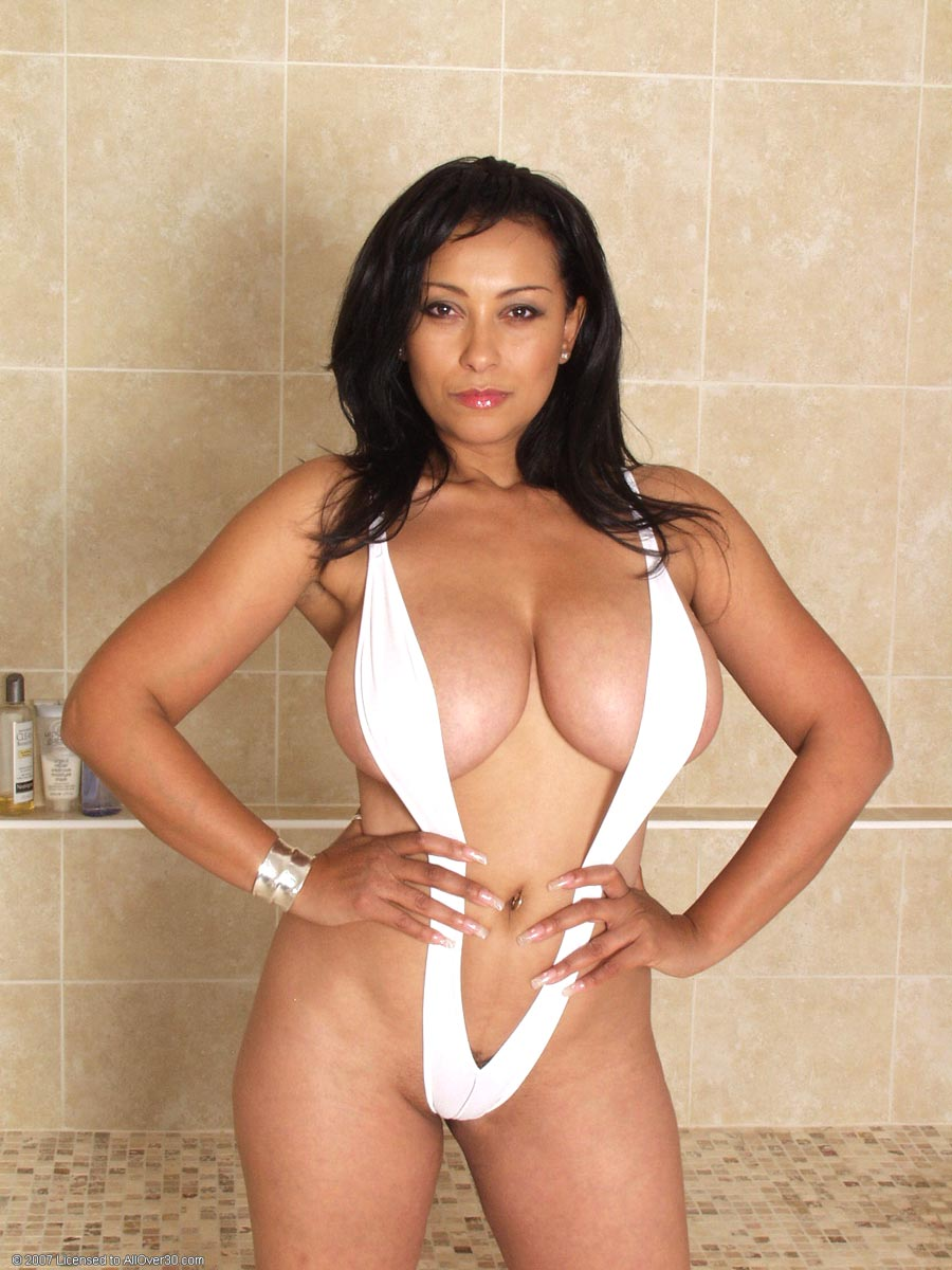 Hot latina mom