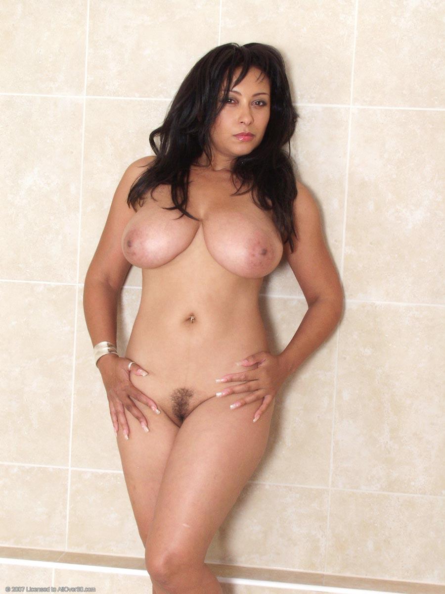 Guarda Donna In Bikini online su smashingprogrammsrj.tk YouPorn è il più grande sito di video porno Big Butt con il più caldo filmati di ass!