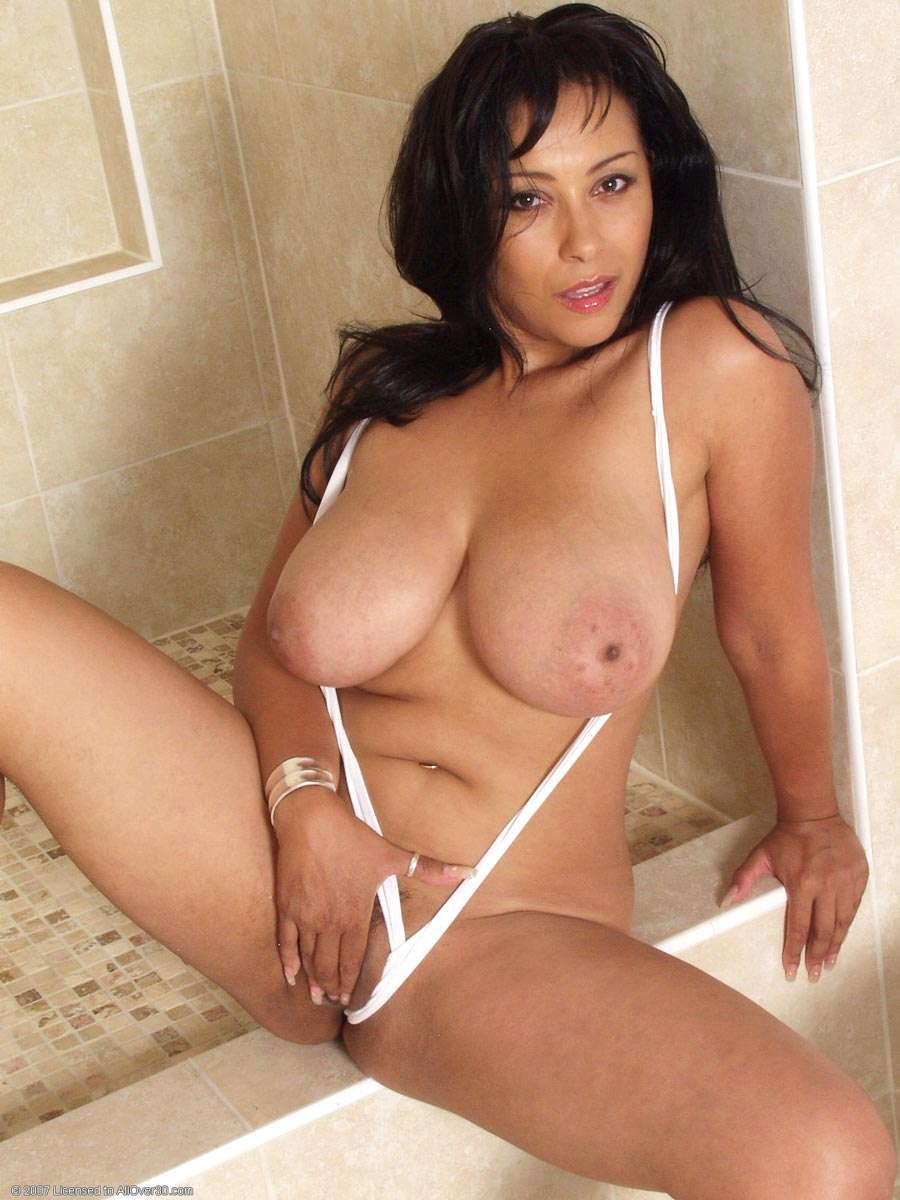 hot latina cougar
