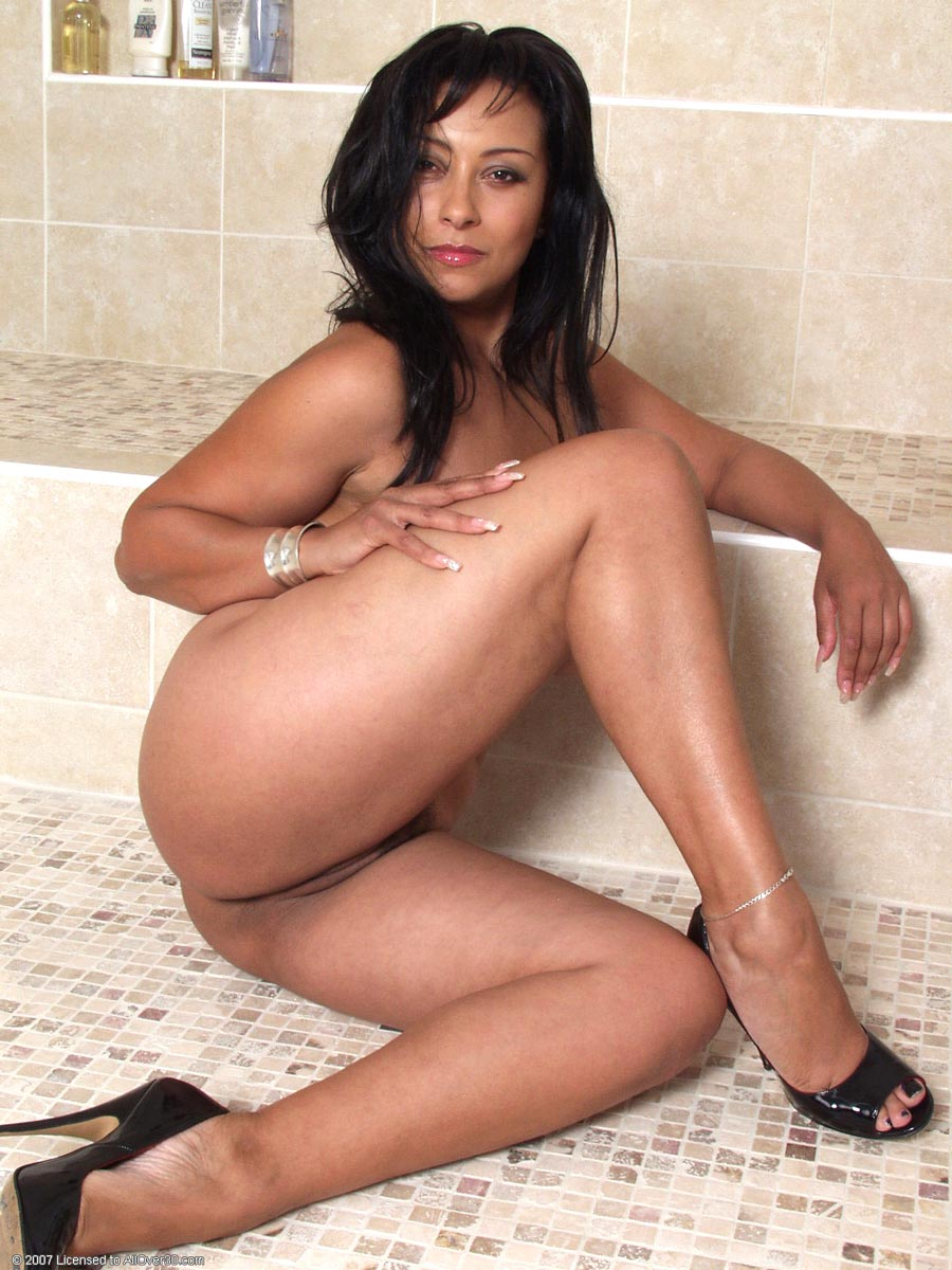 naked latina cougars - porno photo
