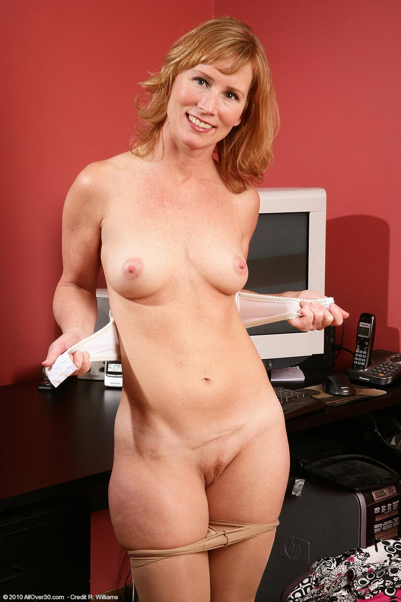 mature cougar nylons - hot nude