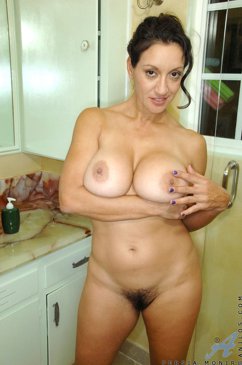 Hot Milf Persia Monir Masturbates In The Shower Free